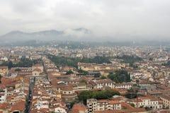 Городской пейзаж Флоренса в тумане Стоковые Фото