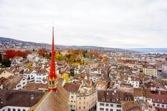 Городской пейзаж Цюриха (вид с воздуха от церков Grossmunster) Стоковые Изображения RF