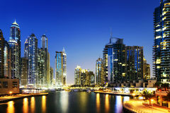Городской пейзаж Дубай на ноче, Объединенных эмиратов Стоковые Изображения RF
