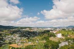 Городской пейзаж Dalat, Вьетнам стоковые изображения rf
