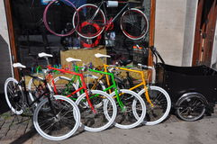 Городской ретро магазин велосипеда, Копенгаген Стоковое Изображение