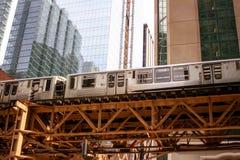 Городской транспорт поезда в Чикаго, Иллинойсе Стоковые Изображения