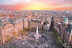 Город сценарный от Амстердама с запрудой в Нидерландах Стоковая Фотография RF