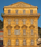 Город славного - старое здание в Cours Saleya Стоковое Фото