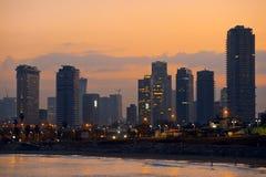 Город Тель-Авив на восходе солнца Сумрак утра Стоковое Изображение