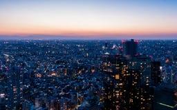 Город токио светлого здания Стоковые Фотографии RF
