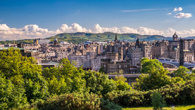 Город Эдинбурга от холма Calton Стоковые Изображения RF