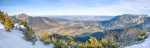 Город Bad Reichenhall - горного вида панорамы Стоковое Изображение