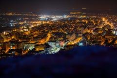 Город Deva к ноча стоковые изображения rf