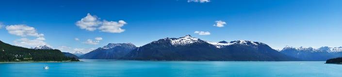 Город Haines около залива ледника, Аляски, США Стоковые Фото