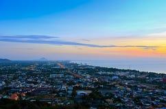 Город Hua Hin ландшафта на восходе солнца Стоковые Изображения