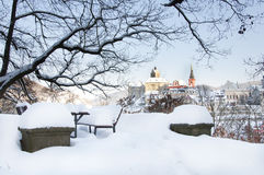 Город Loket в зиме, чехии с взглядом замка Стоковое фото RF