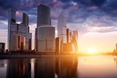 город moscow Россия Деловый центр Москвы международный на восходе солнца Стоковые Фото