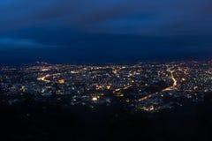 Город Nightview Чиангмая от Doi Suthep Стоковые Фотографии RF