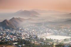 Город Puskhar во время восхода солнца Стоковые Фото
