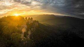 Горы Австралия сестер дерева голубые Стоковые Изображения