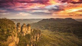 Горы Австралия сестер дерева голубые Стоковое фото RF