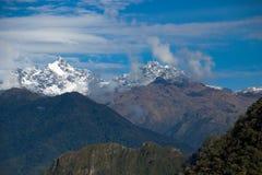 Горы Анд как осмотрено от Machu Picchu стоковое изображение