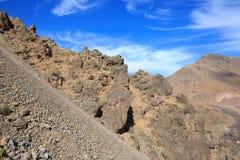 Горы атласа Наклон горы на идя тропу Стоковая Фотография RF