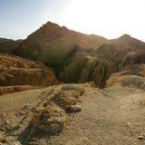 Горы атласа около Chebika в сильном солнце подпирают свет Стоковые Фотографии RF