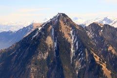Горы Альпов швейцарца Швейцарии верхней части горы Stanserhorn воздушные Стоковое Изображение