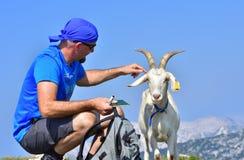 Горы взрослой козы людей высокие Стоковое Изображение