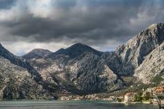 Горы вокруг залива Kotor стоковая фотография rf