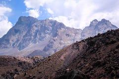 Горы в Андах, Сантьяго, Чили стоковые изображения rf