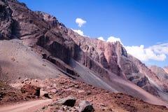 Горы в Андах, Сантьяго, Чили стоковая фотография