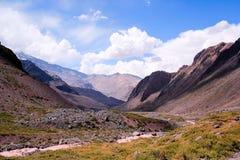 Горы в Андах, Сантьяго, Чили стоковое фото