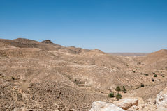 Горы в пустыне с старыми каменными стенами Стоковая Фотография RF