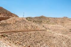 Горы в пустыне с стенами Стоковые Изображения RF