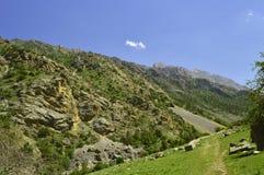Горы в ущелье Galuyan, Кыргызстане Стоковые Изображения