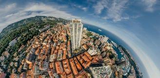 Горы в фото лета трутня riviera города Монако Монте-Карло проветривают панораму трутня виртуальной реальности 360 vr стоковая фотография rf