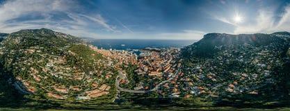 Горы в фото лета трутня riviera города Монако Монте-Карло проветривают панораму трутня виртуальной реальности 360 vr стоковое изображение