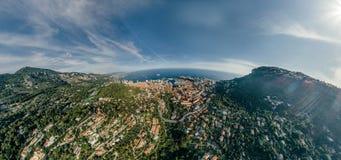 Горы в фото лета трутня riviera города Монако Монте-Карло проветривают панораму трутня виртуальной реальности 360 vr стоковые фотографии rf