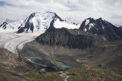 Горы в Kyrgyzstan Стоковая Фотография