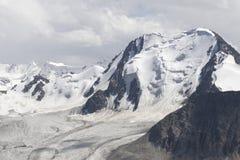 Горы в Kyrgyzstan Стоковые Изображения RF