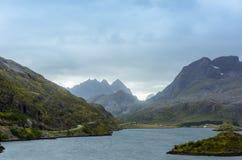 Горы в Lofoten Норвегии Стоковое Фото