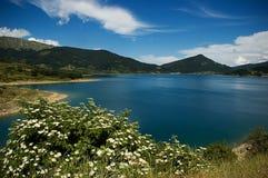 горы горы озера lac de Франции creno Корсики корсиканские Стоковое Изображение RF
