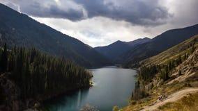 горы горы озера lac de Франции creno Корсики корсиканские сток-видео
