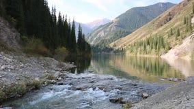 горы горы озера lac de Франции creno Корсики корсиканские видеоматериал