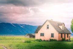 горы дома старые стоковое фото rf