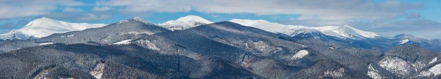 Горы зимы снежные прикарпатские, Украина стоковое изображение