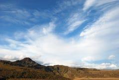 Горы и небо в Исландии Стоковое Изображение