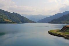 Горы и озеро ландшафта в Турции Стоковые Фотографии RF