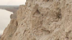 Горы и трава лета песочные сток-видео