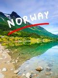 Горы и фьорд в Норвегии, Стоковая Фотография