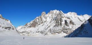 Горы катание на лыжах Бесплатный проезд Стоковое Изображение