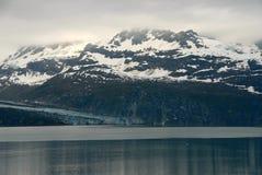 горы ледника залива Аляски туманные Стоковые Фотографии RF
